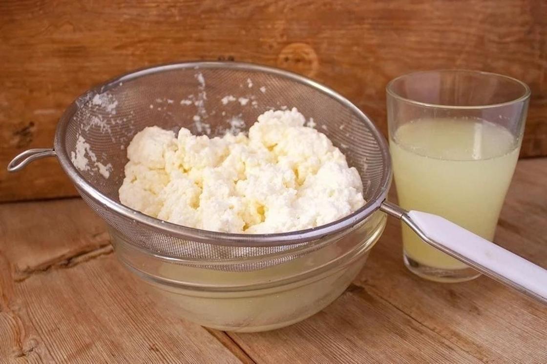 Как сделать творог из кислого молока в домашних условиях