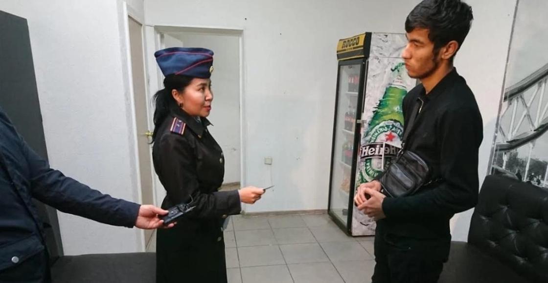 """Более сотни подростков попали в полицию в ночь """"Хэллоуина"""" в Алматы (фото)"""