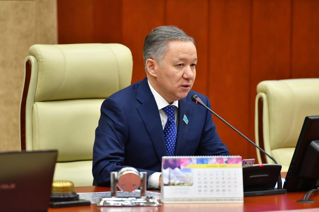 Нигматулин поставил под сомнение завышенные бюджеты министерств на консалтинг