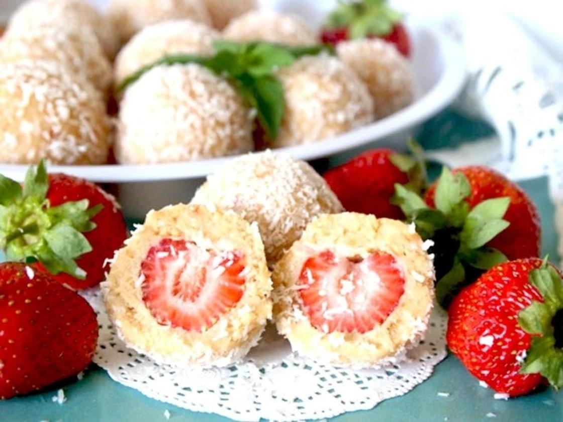 Десерты из творога и клубники без выпечки