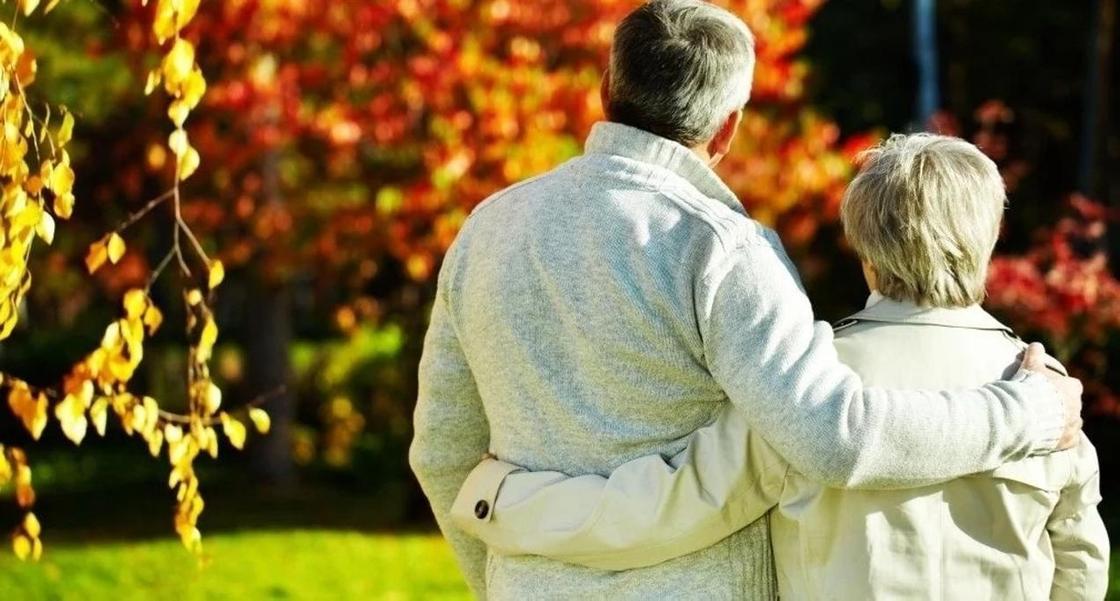 65-летняя казахстанка пожалела, что вышла замуж за парня на 20 лет моложе себя
