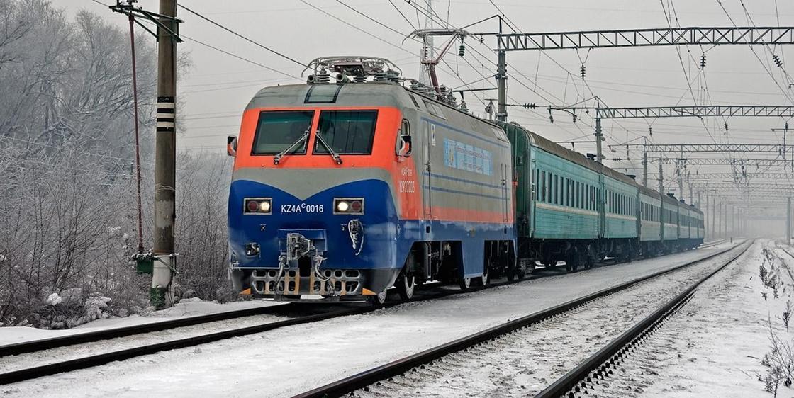 Дополнительные поезда запустят на декабрьские праздники в Казахстане