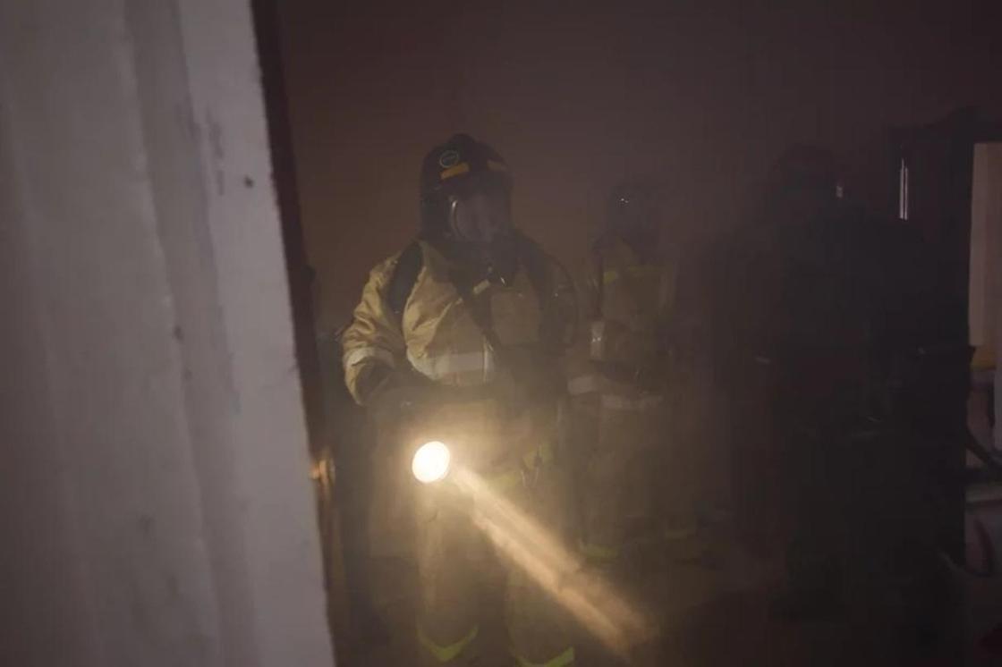 Астанчанин заявил, что после пожара в квартире у него пропали 15 млн тенге