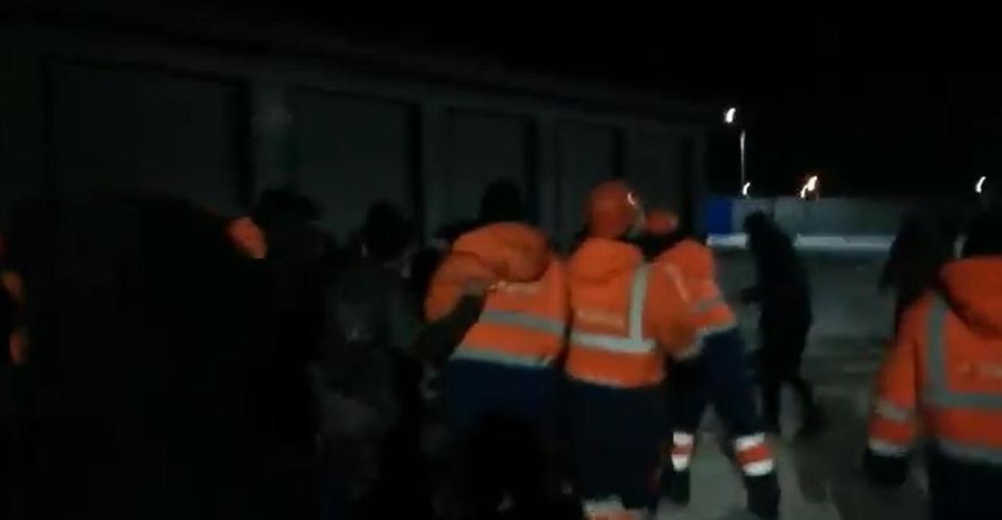 Казахстанские рабочие подрались с таджикскими на стройке в России (видео)