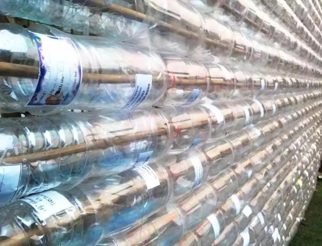 стеновые панели из пластиковых бутылок