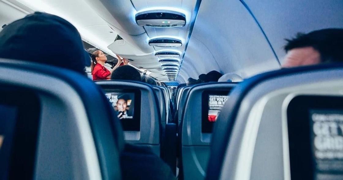 Более 100 казахстанцев эвакуировали из Турции: самолет приземлился в Павлодаре