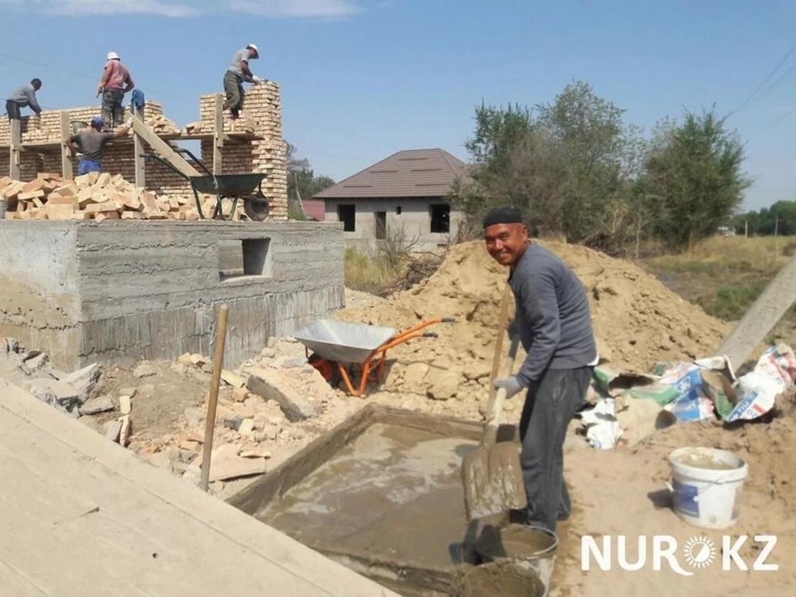 Строители из Узбекистана рассказали о своих реалиях