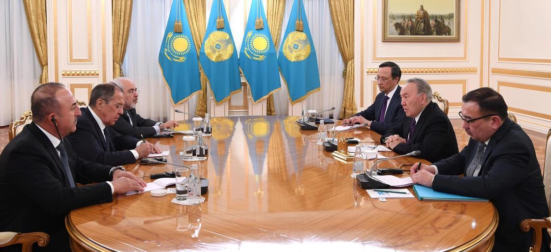 Нурсултан Назарбаев провел встречу с министрами иностранных дел стран-гарантов Астанинского процесса по Сирии
