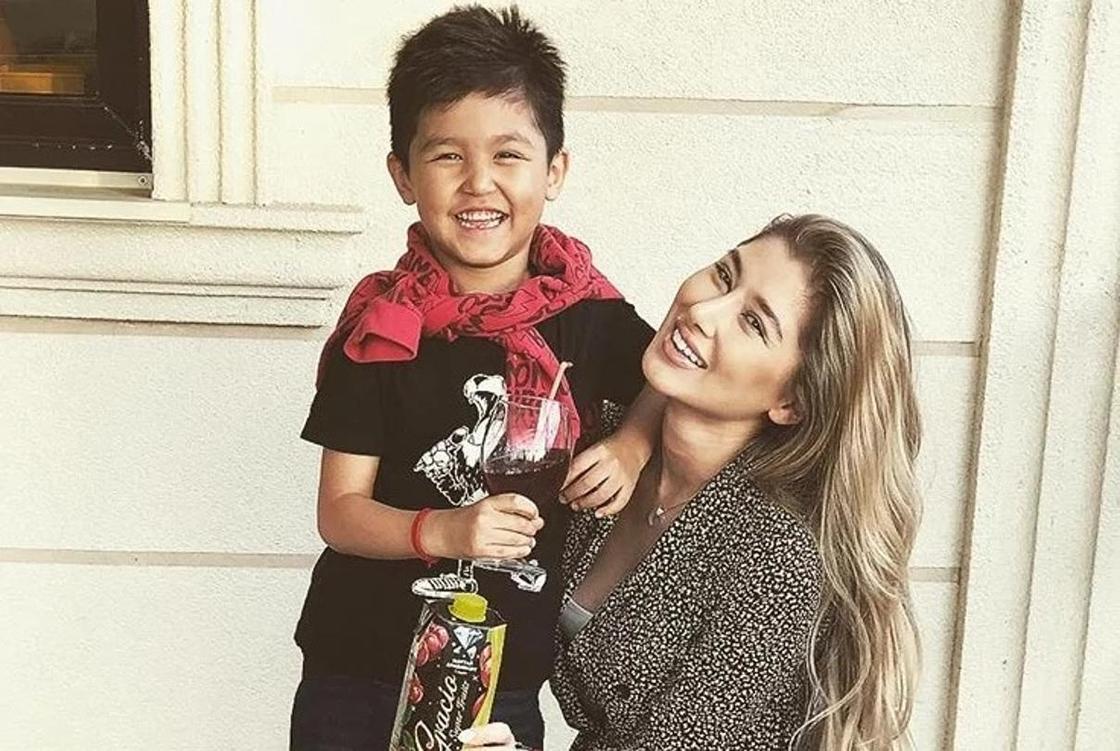 Асель Аскар с сыном. Фото: Instagram
