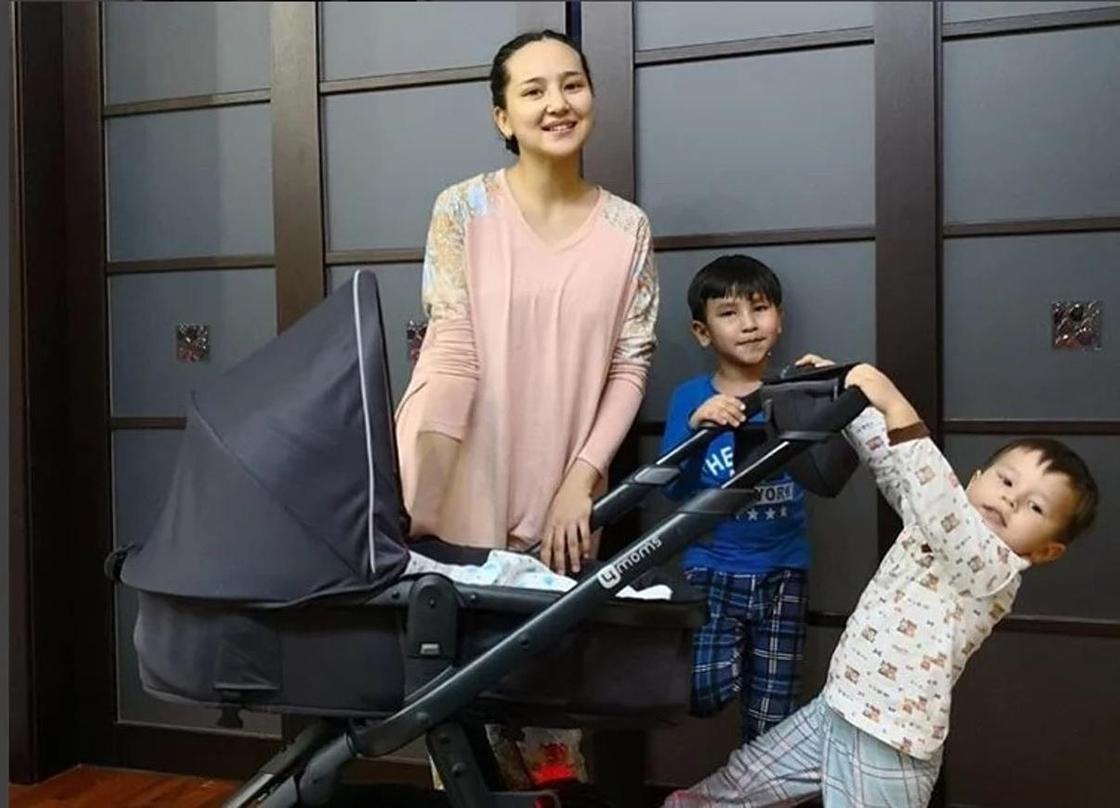 Салтанат Бакаева с детьми. Фото: Instagram