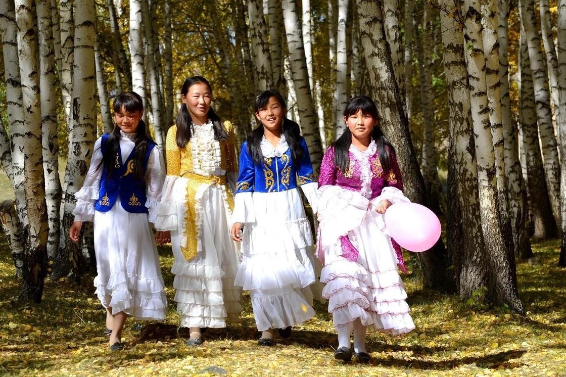 Девушкам предлагают запретить выезжать из Кыргызстана
