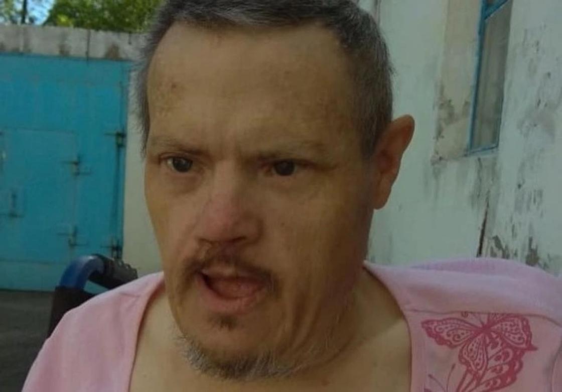 Неизвестные бросили инвалида на улице в Темиртау