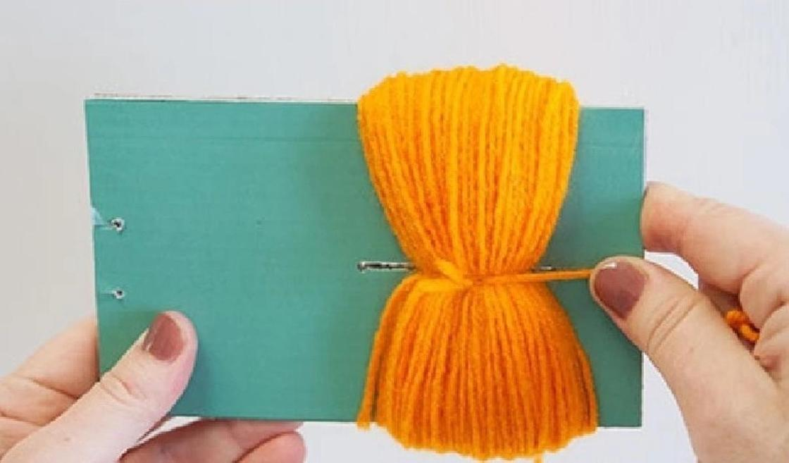 Как сделать помпон из ниток для вязания