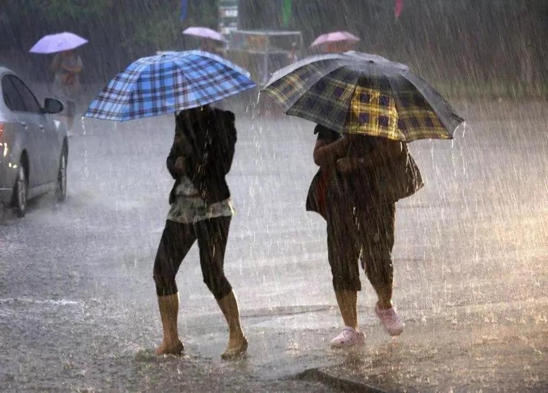 Казгидромет объявил штормовое предупреждение в Алматы 16 марта