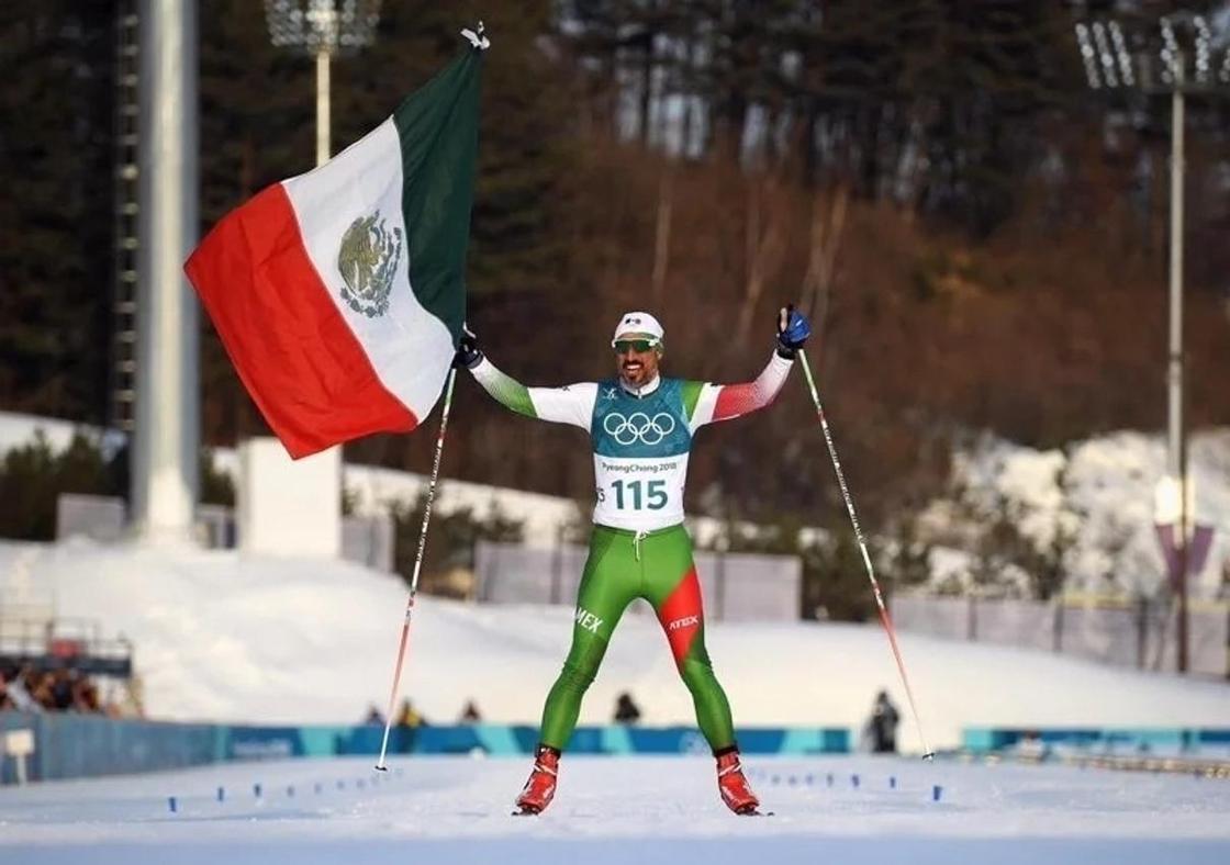 Мәреге ең соңғы болып келген мексикалық шаңғышыны жұрт төбесіне көтерді (фото)