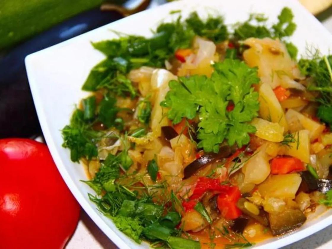 Овощное рагу без мяса с баклажанами