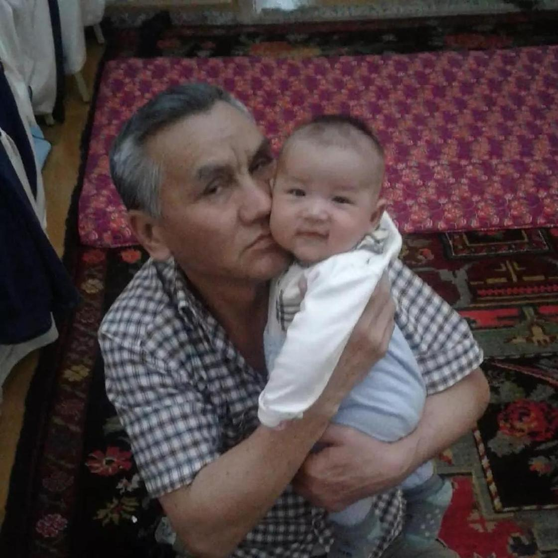 Жена Кайрата Нуртаса выложила новое фото с родителями