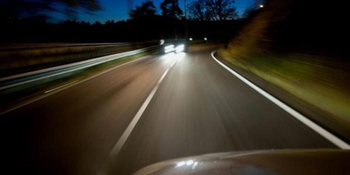 Водитель переехал мужчину, уснувшего на дороге в селе Павлодарской области