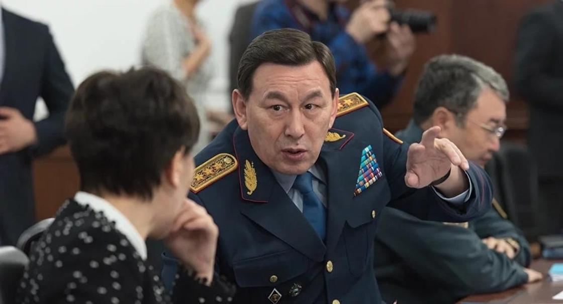 Глава МВД Касымов прокомментировал обыски в офисах Ratel и Forbes Казахстан