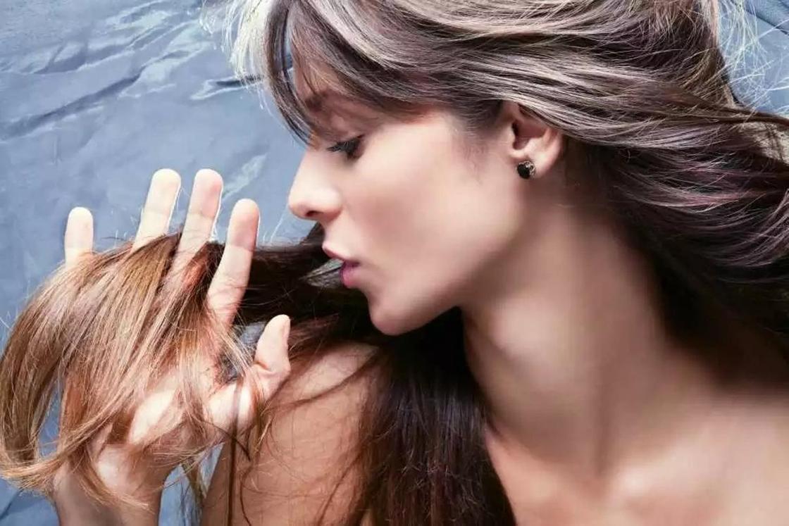 Почему секутся волосы и как с этим бороться