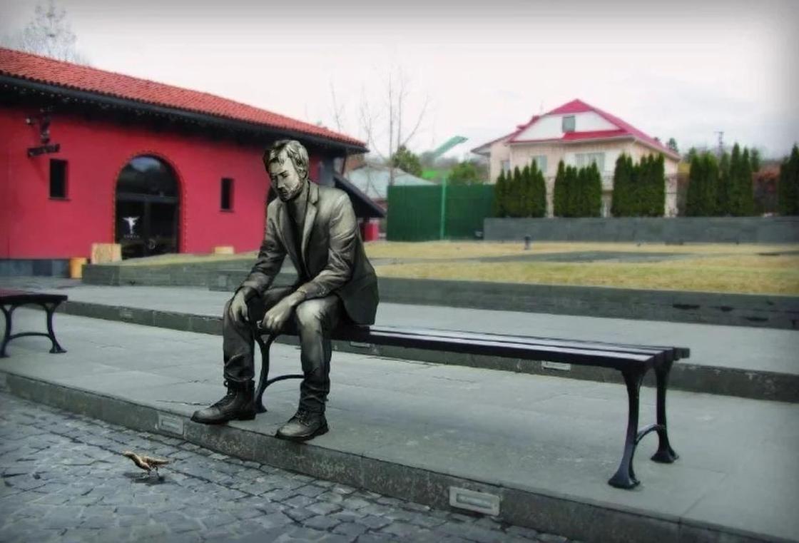 Памятник голливудскому секс-символу появится в Алматы