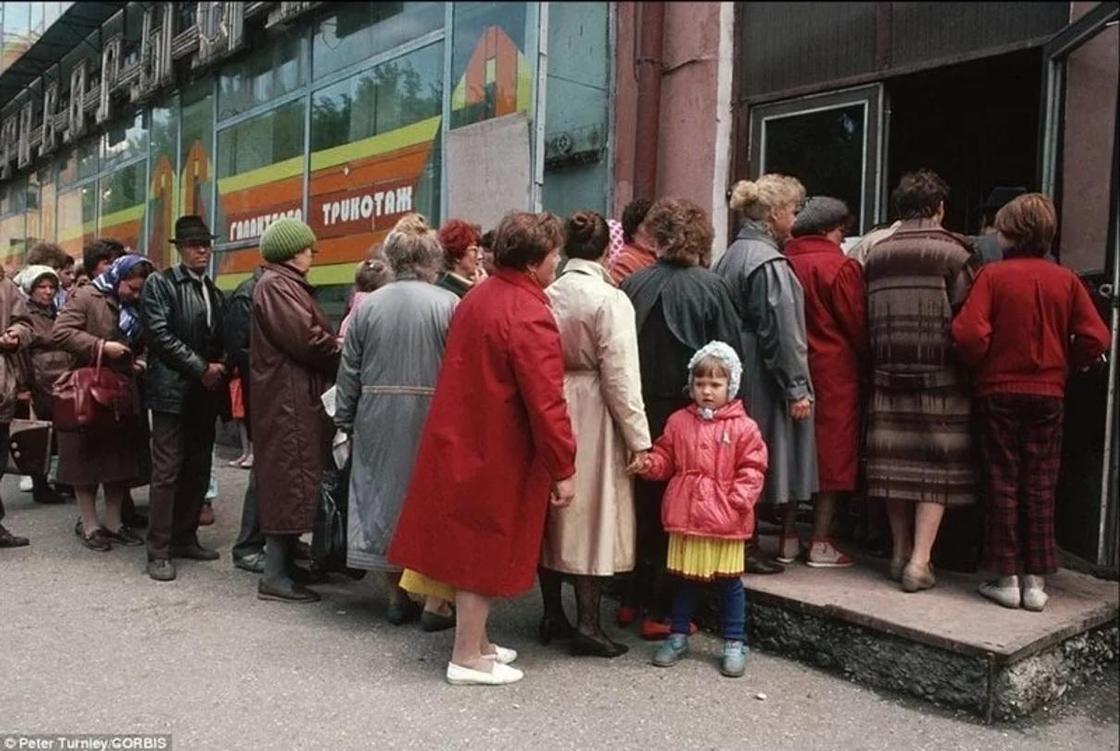 10 дефицитных вещей, ради которых люди в Советском Союзе не жалели себя