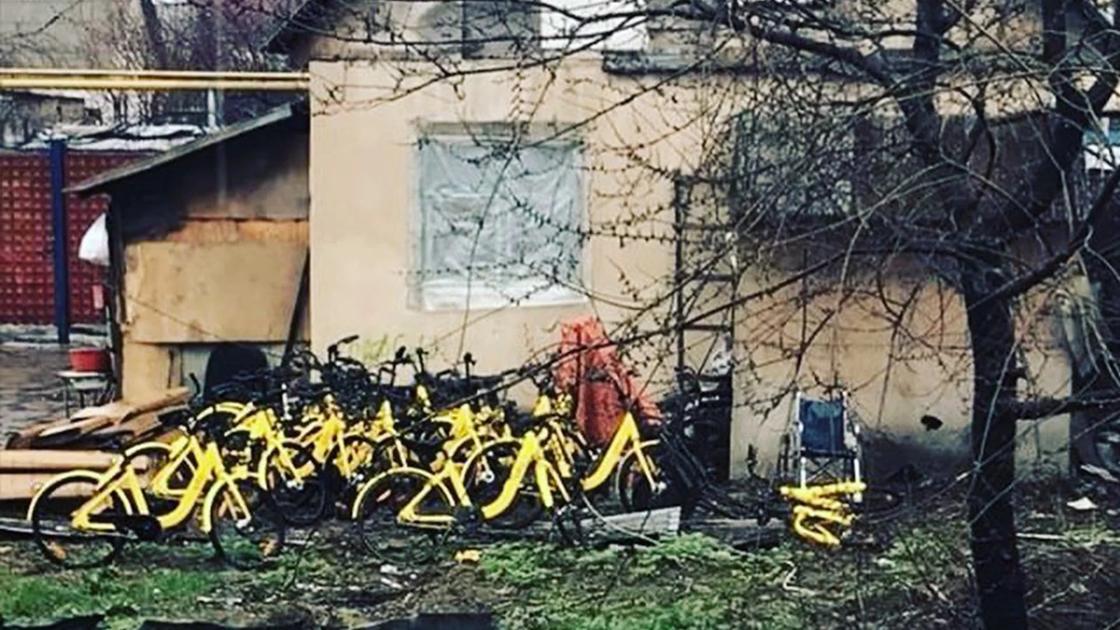 """""""Склад"""" велосипедов в доме в пригороде Алматы. Фото соцсети"""