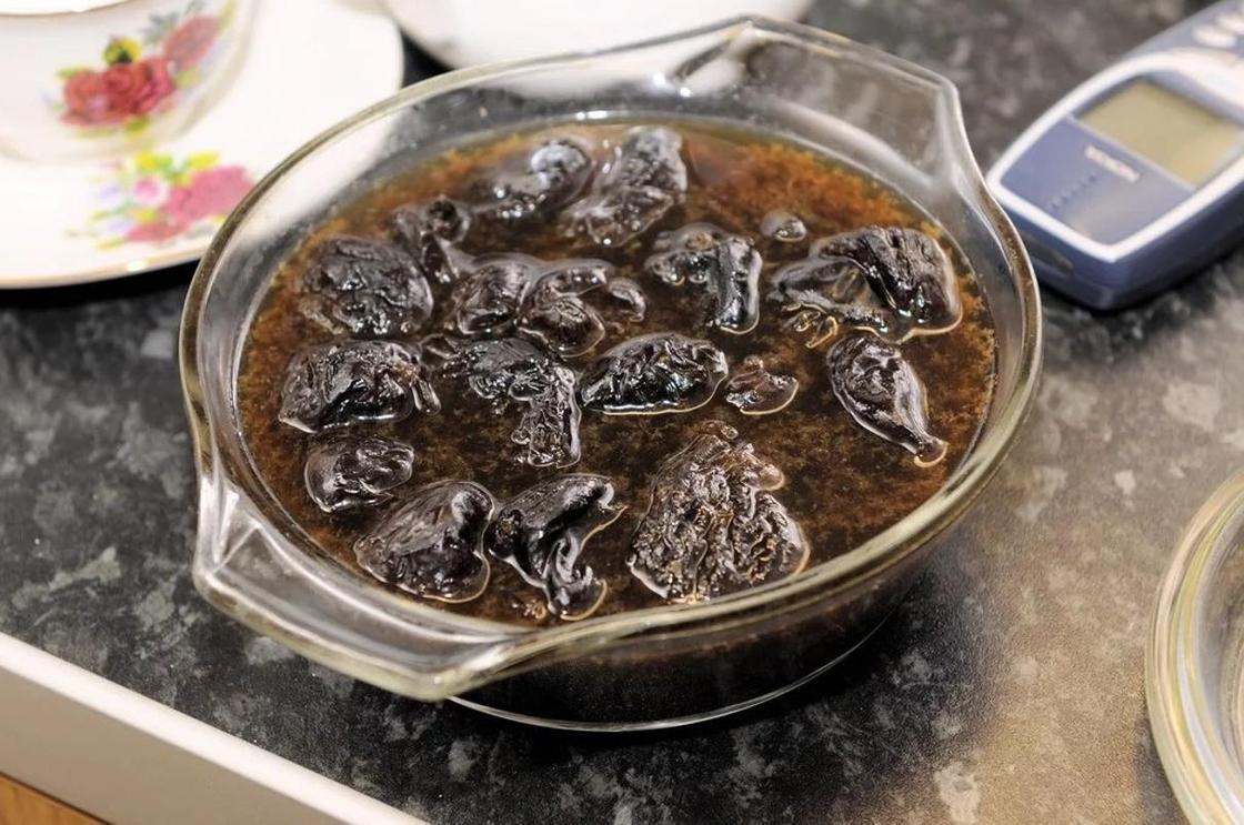 Торт «Монастырская изба» с черносливом