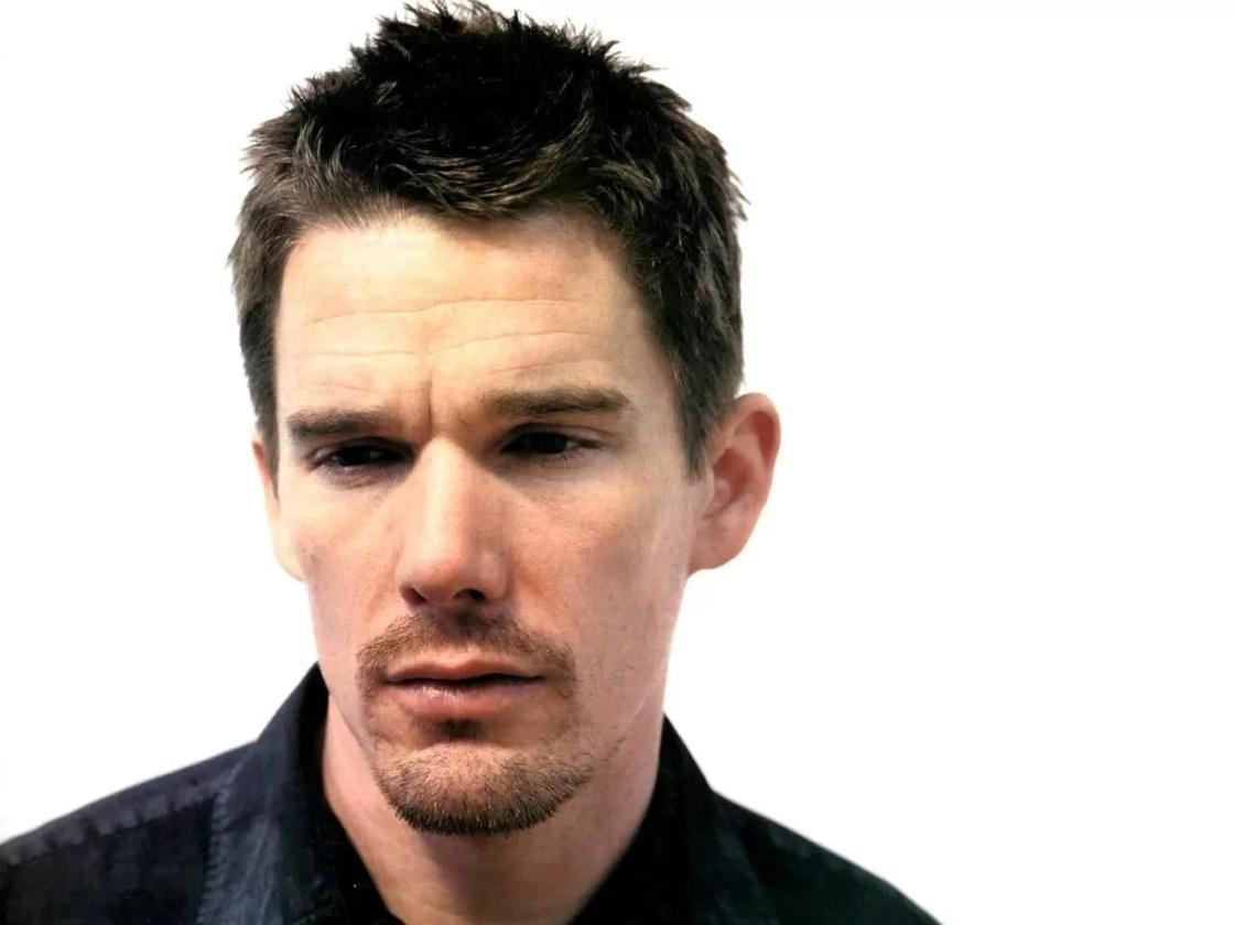 Ethan Hawke Tried A Ouija Board Believed He Was James Dean