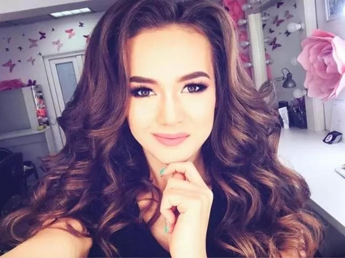 Павлодар облысы: Бекбас Баян, 19 жаста - Miss Virtual Pavlodar
