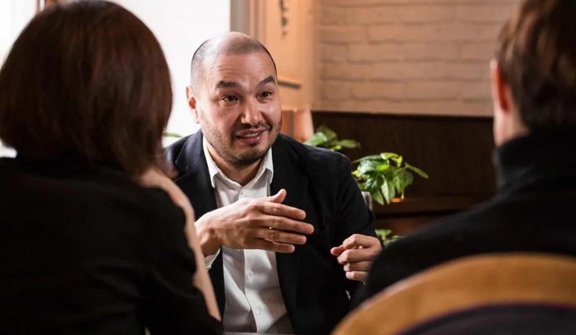 «Копайте Дутбаева, найдете руку Аблязова»: Еркин Татишев рассказал об убийстве брата