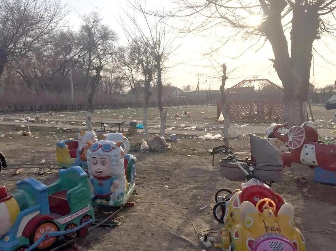 «Наурыз и свинство»: Казахстанцы превратили места празднования в помойку