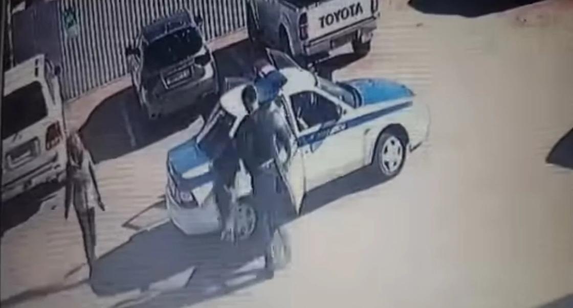 Неудачная попытка задержания водителя попала на видео в Актау