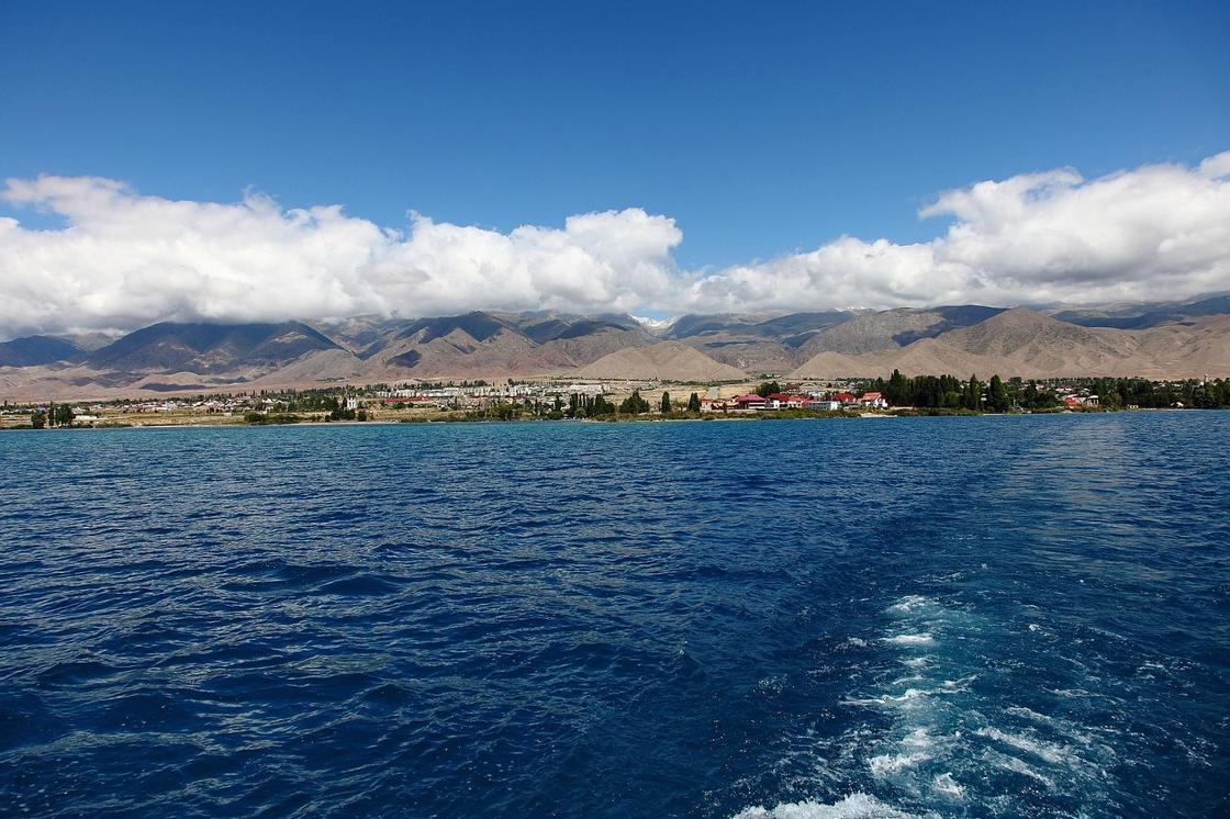 Как образовалось озеро Иссык-Куль
