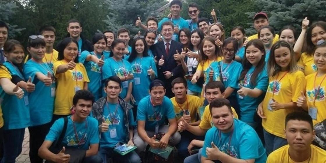 Порядка 30 тысяч казахстанцев работают в НПО