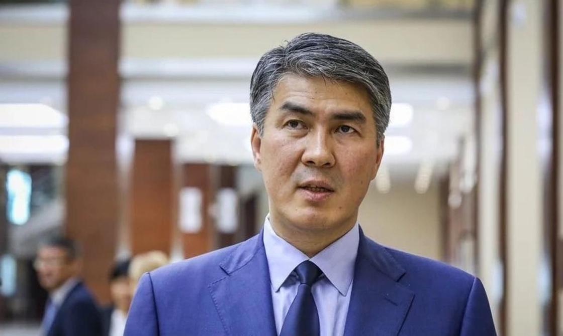Парковки, лифты: Исекешев провел выездные совещания после критики Назарбаева