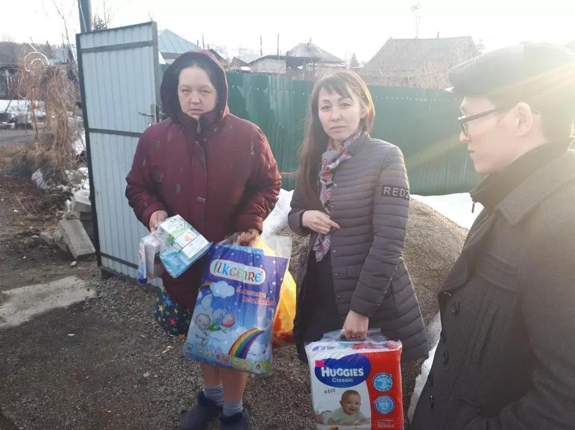 Вещи и обувь для земляков из подтопленных районов собирают в ВКО (фото)
