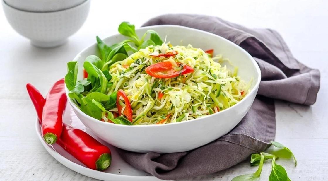 Капустный салат с мятой