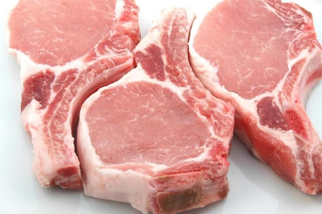 Отбивная из свинины на косточке в духовке