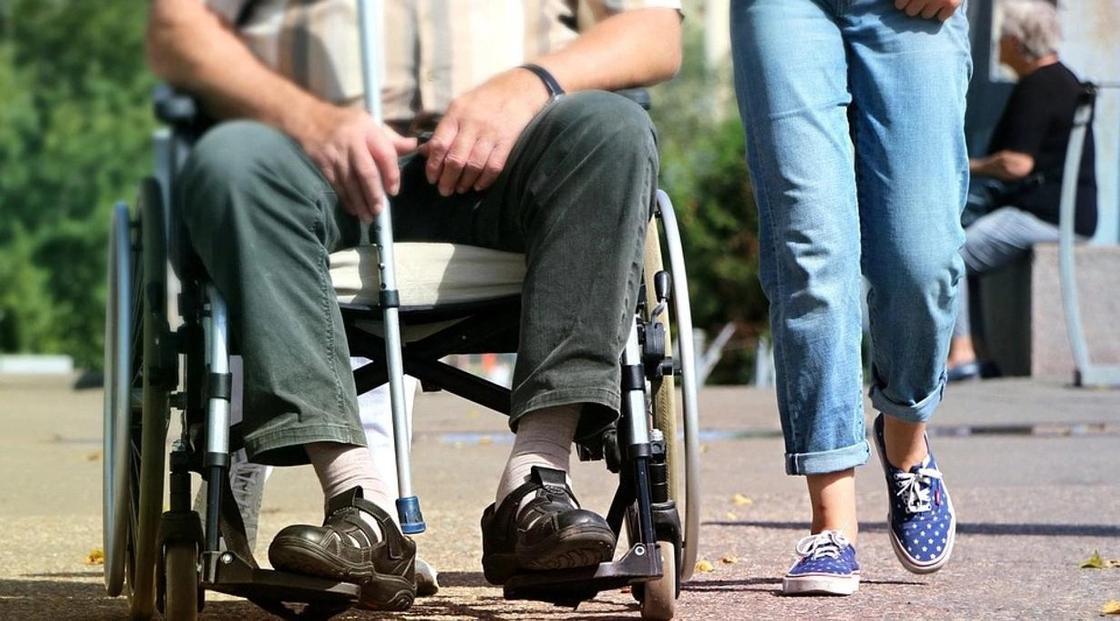 05.08 Астанчанин с инвалидностью: «Увидев коляску, девушки разворачивались и уходили»