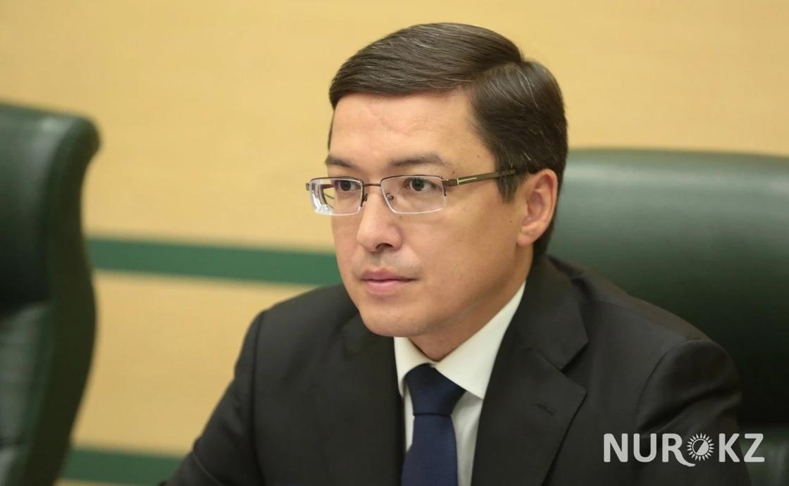 Акишев намерен судится с экспертом, заявившем о скором разорении ЕНПФ