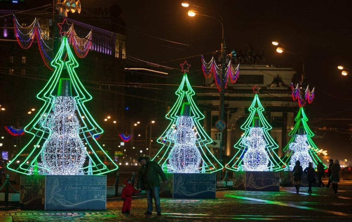 """""""Каждый хочет в жизни вау"""": Аким Шымкента о расходах на новогоднее оформление"""