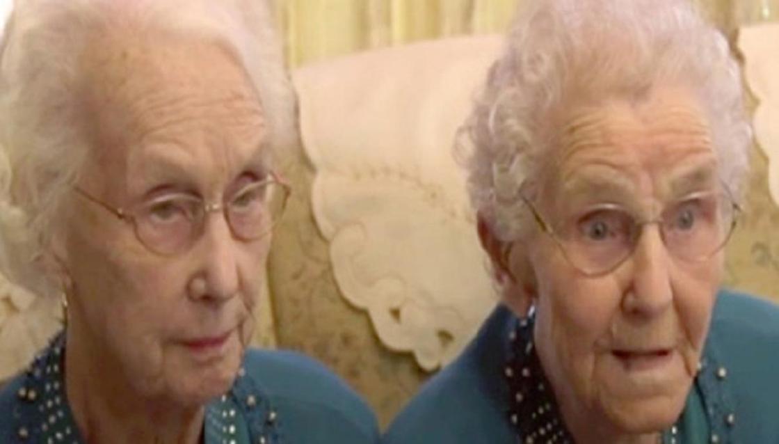 """""""Много рыбы и крепкий алкоголь"""": 102-летние близнецы раскрыли секрет своего долголетия"""