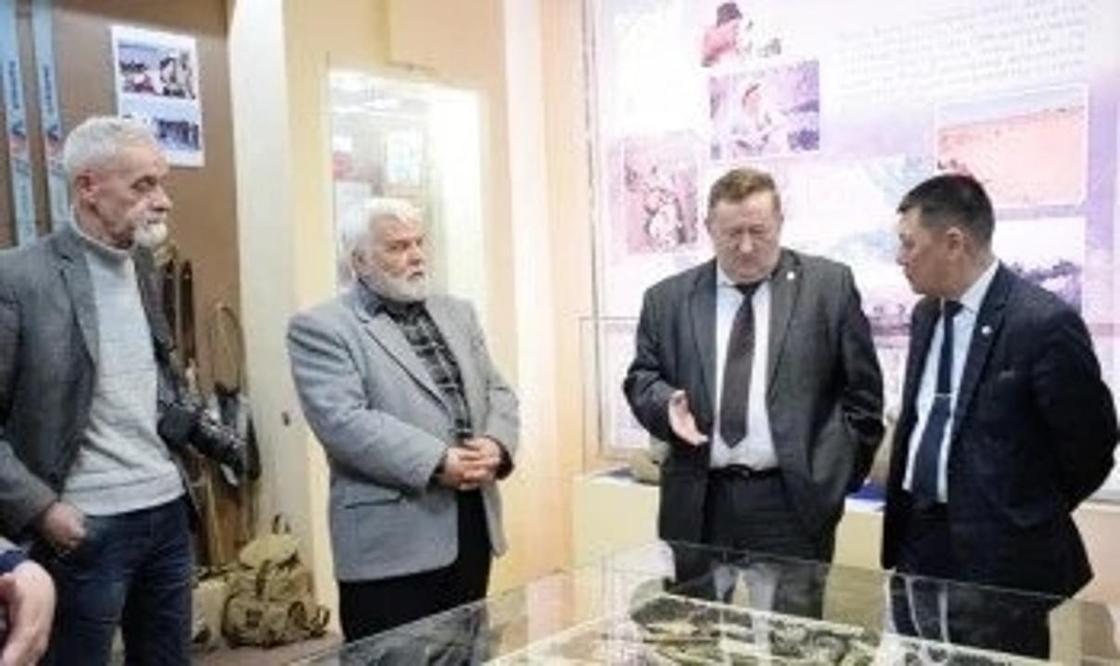 """Найденного в ЗКО динозавра назвали """"Казахстанозавр"""""""