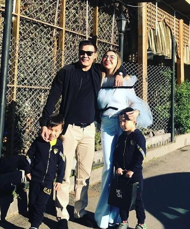 Конфуз: Сиви Махмуди и Мадина Садвакасова купили одинаковые наряды (фото)