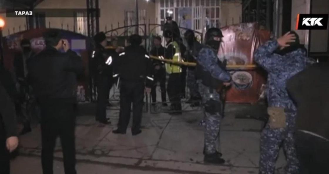 В Таразе посетители открыли стрельбу в чайхане из-за 3 тысяч тенге