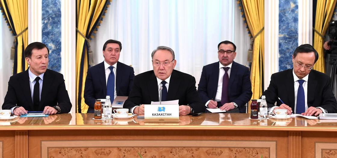 Назарбаев о торговле в Центральной Азии: Надо переломить чиновников