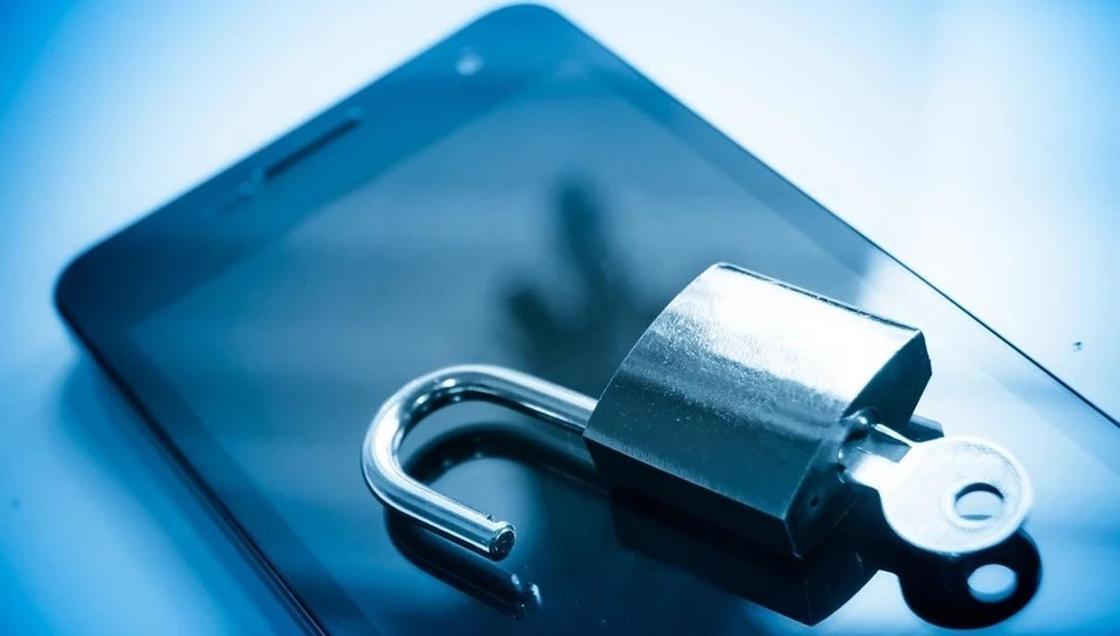 «Вы заблокированы за порно»: полицейские рассказали об очередном «разводе» мошенников