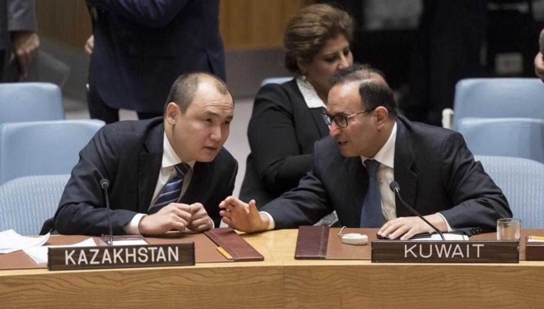 """""""Украина и Россия - братья нам"""": какую позицию занял Казахстан в Совбезе ООН"""