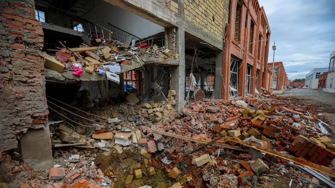 Разрушенное здание в Нагорном Карабахе